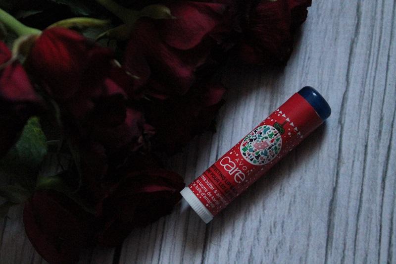 Avon Care ochronny balsam do ust z masłem shea i olejkiem migdałowym