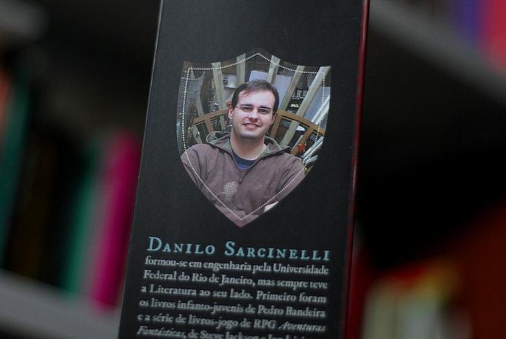 Resenha Passagem para a Escuridão, Resenha Danilo Sarcinelli, Passagem para a Escuridão Danilo Sarcinelli, livro Passagem para a Escuridão Danilo Sarcinelli