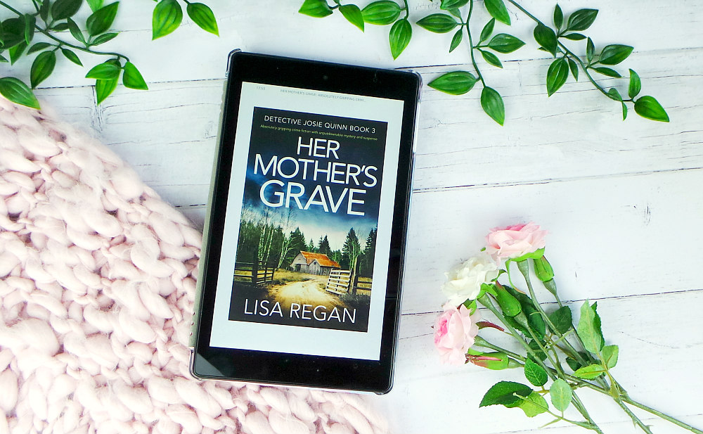Her Mothers Grave by Lisa Regan