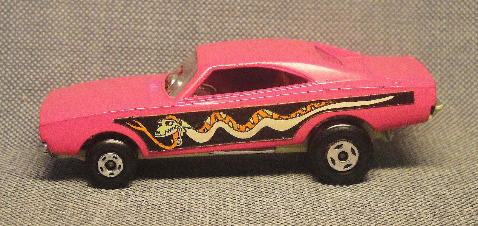 Archivo de autos: Dodge Dragster a la Matchbox