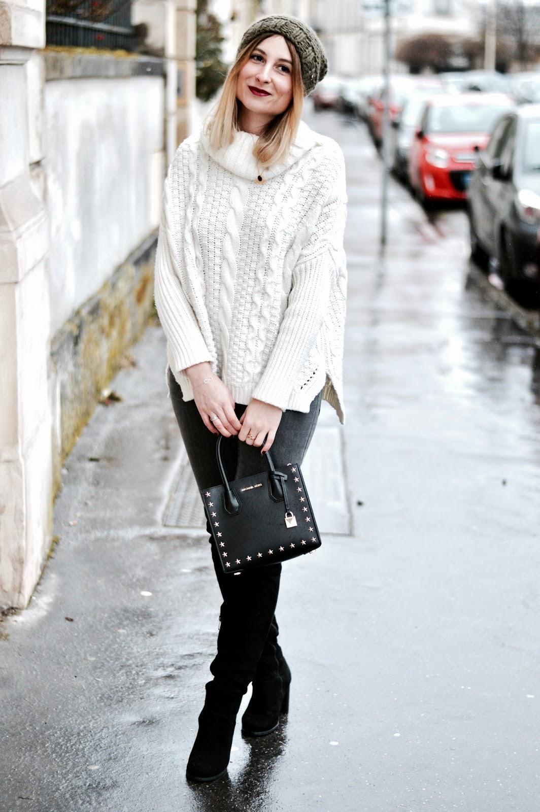 Look femme hiver : pull col roulé et cuissardes