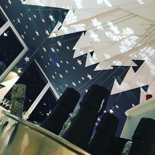 Preciosa decoración del sky bar. #masquevinos en el sky bar del pompaelo.
