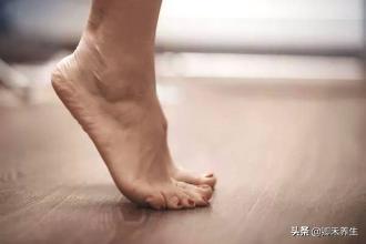 """""""踮腳""""已被延用2000年的導引養生方法,簡單方便,值得好好練習(防治中風)"""