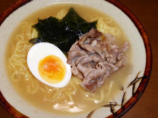 【サンヨー食品】サッポロ一番 グリーンプレミアム 0(ゼロ)とろみ生姜らーめん
