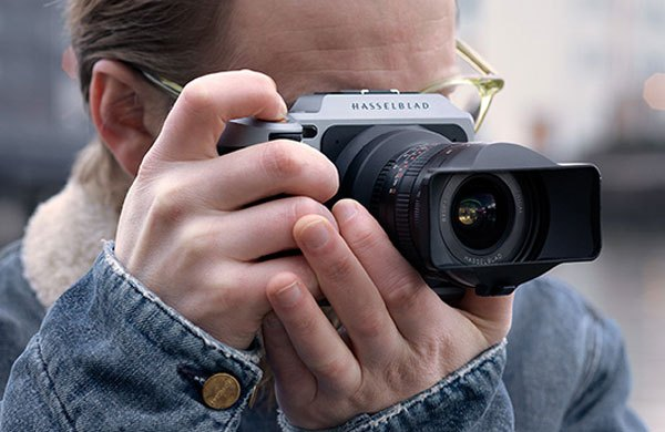 Фотоаппарат Hasselblad X1D с установленным объективом XPan