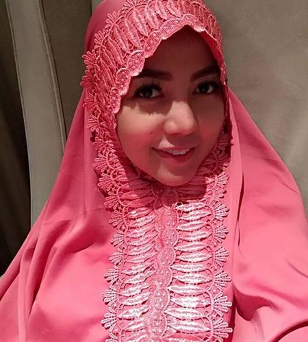Foto Bella Shofie Hijab Jilbab Pink Cantik Imut Lucu