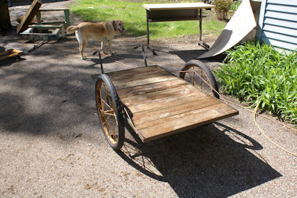 Classic and antique cars collection: ANTIQUE STEEL WHEEL CART