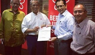"""""""Katak""""Pertahan Mahathir"""