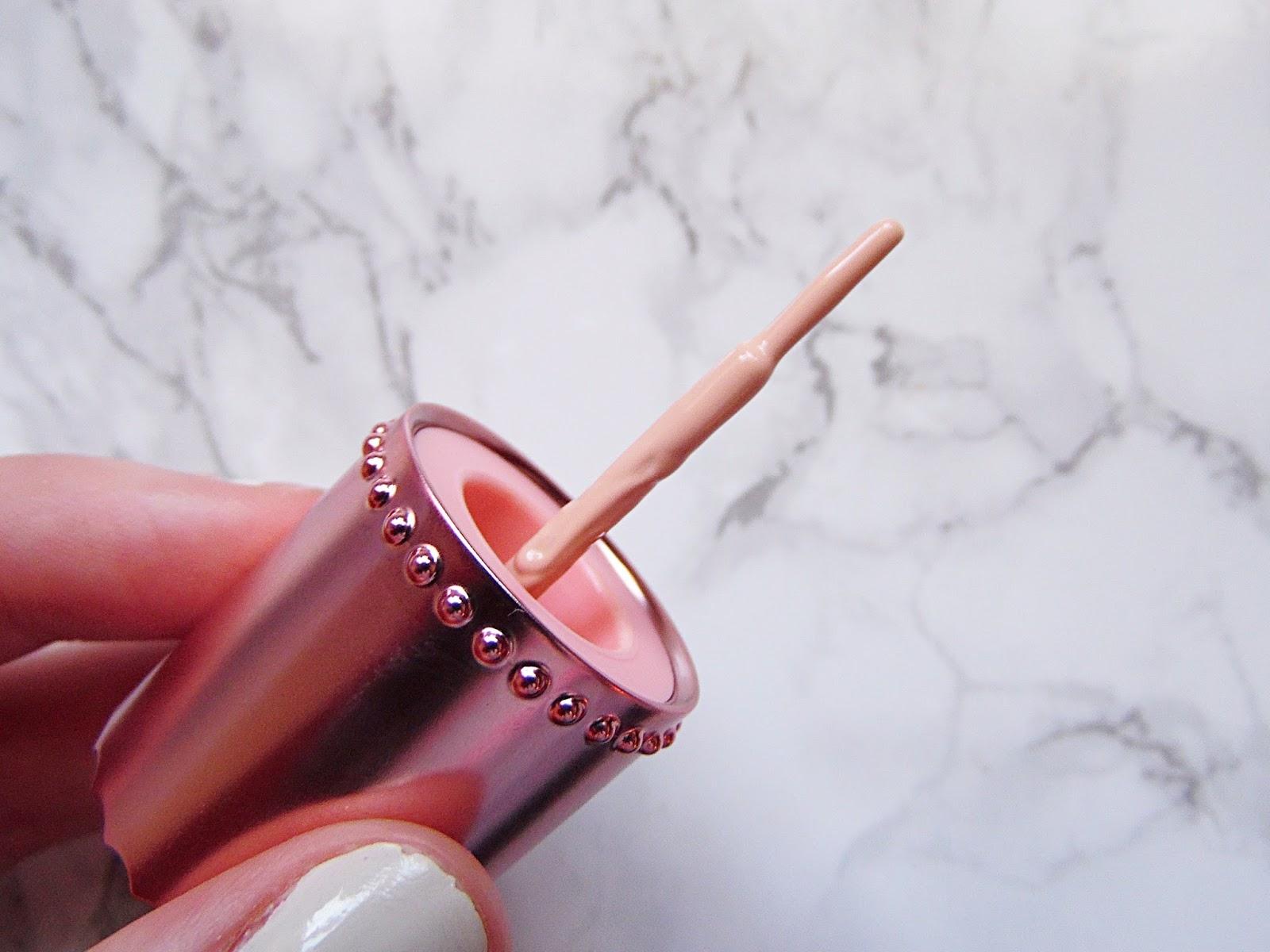 Benefit Dandelion Shy Beam