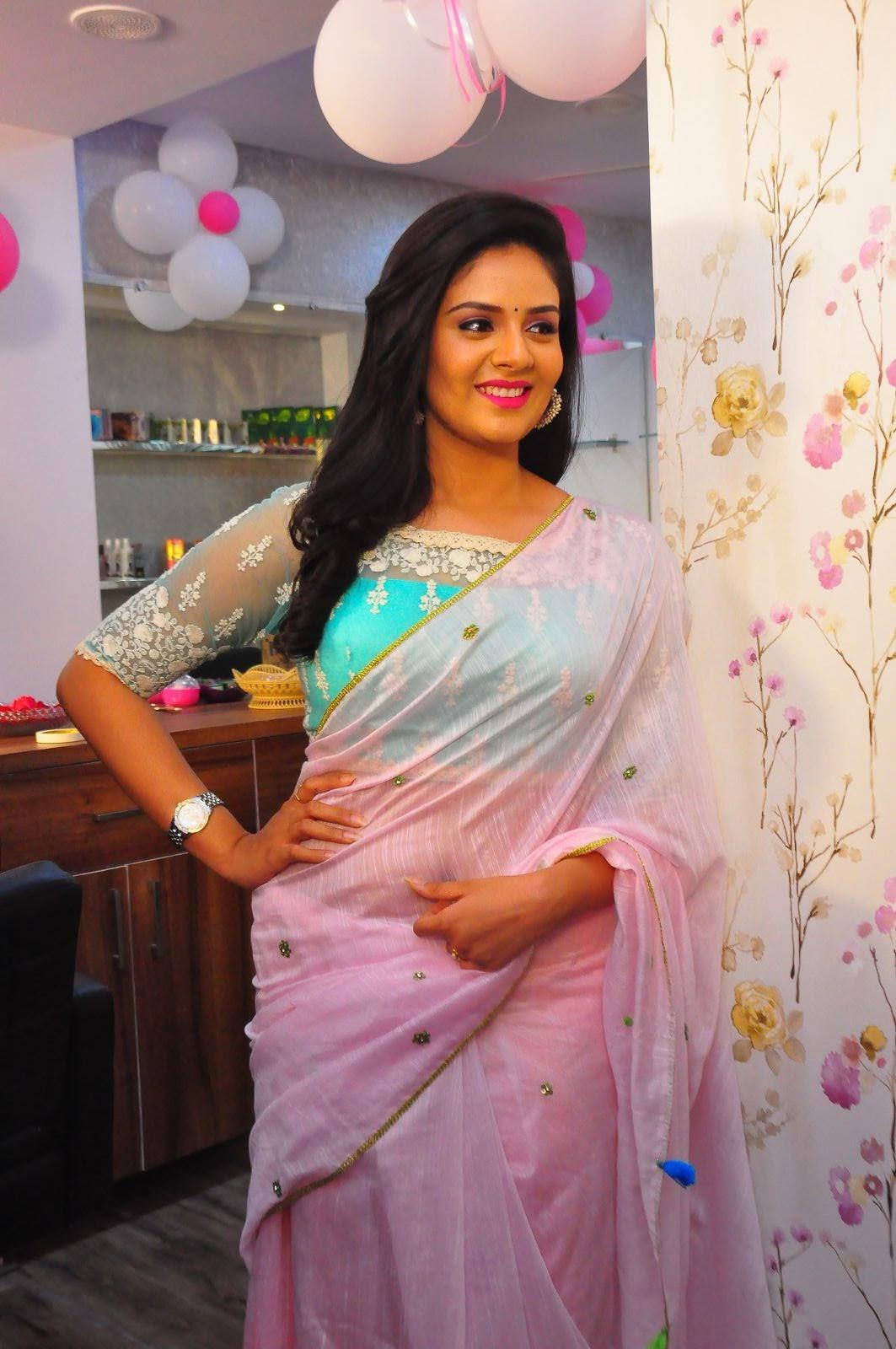 Srimukhi at Manvis launch event-HQ-Photo-4