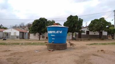 Resultado de imagem para caixa de agua como chafariz