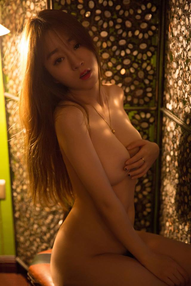Archived: Asian Girl Half Nude In The Morning