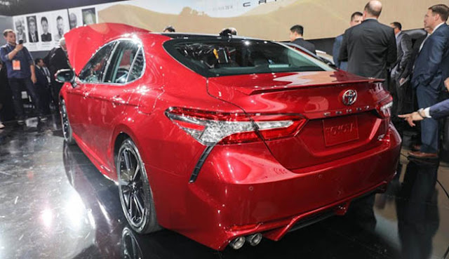 Detroit LIVE 2018 Toyota Camry