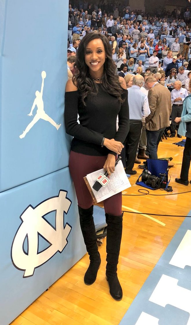 Espn S Maria Taylor Has Sensational Sideline Style