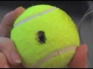 Φοβερο κολπο!!! Ξεκλειδώστε την πόρτα του αυτοκινήτου με ένα μπαλάκι του τένις!!! VIDEO