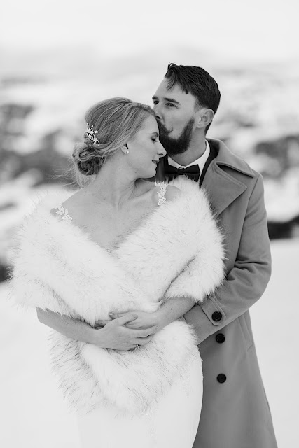zelda green photographer winter snow mountain weddings bridal gowns cake