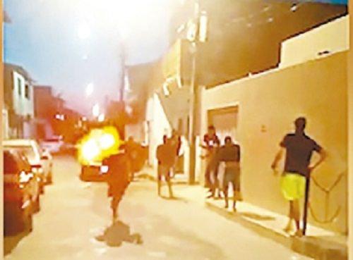 Resultado de imagem para Criminosos filmam invasão e tiroteio NA BARRA DO CEARÁ