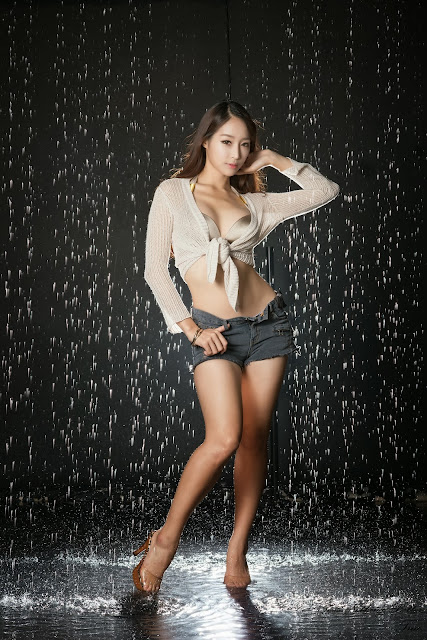 5 Eun Ji Ye getting wet - very cute asian girl-girlcute4u.blogspot.com