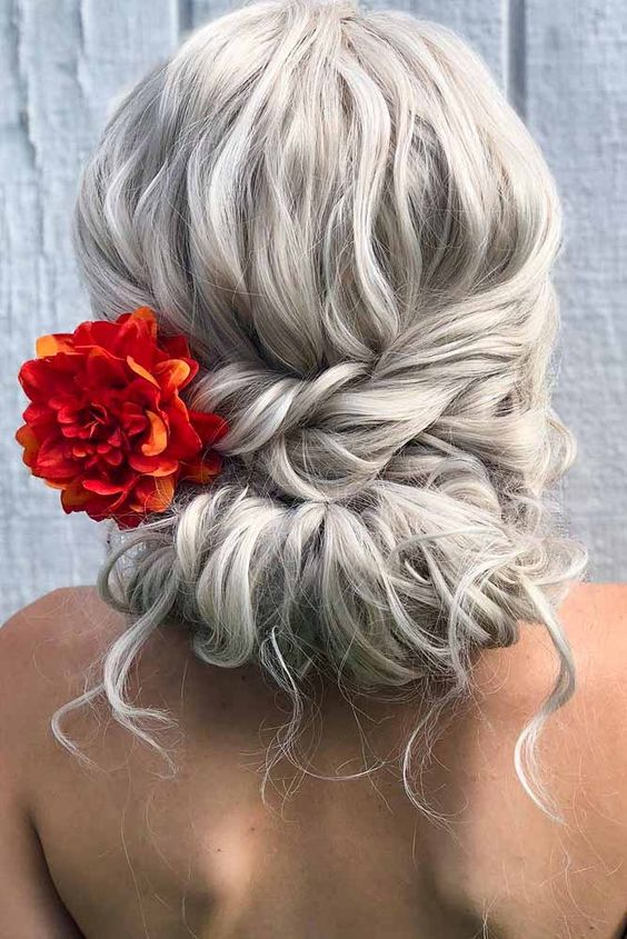 EASY LONG HAIRSTYLES FOR VALENTINE'S DAY