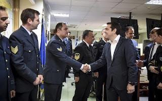 Έδειξες ψυχραιμία και η ψυχραιμία είναι γενναιότητα - Τσίπρας σε κυβερνήτη του «Γαύδος»