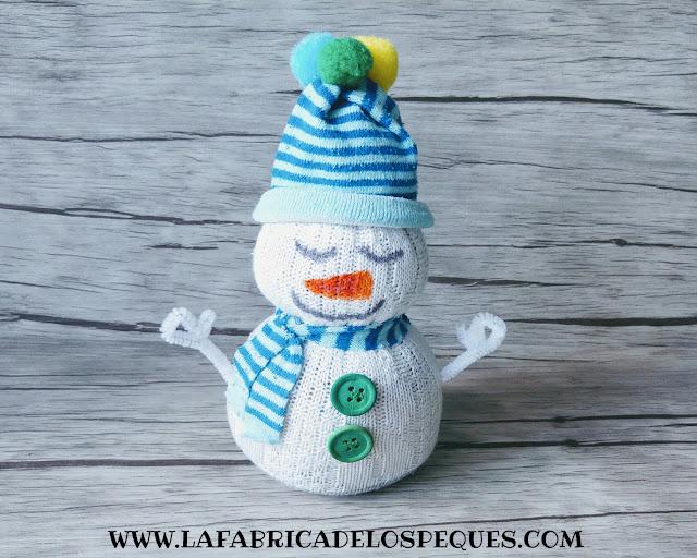 muñeco-nieve-calcetines