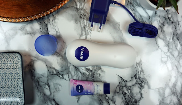NIVEA PURE SKIN elektronische Gesichtsreinigungsbürste, Review, Haut, sensible Haut, Irritationen, Design, Set, Kit