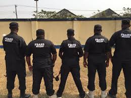 Nigerian SARS chased in Lagos