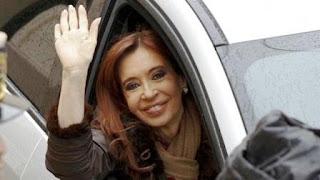 La ex mandataria ya se encuentra en la ciudad de Buenos Aires y pidió a sus manifestantes que no acudan a Comodoro Py.