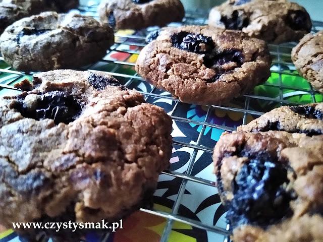 Kakaowe ciasteczka na bazie masła orzechowego