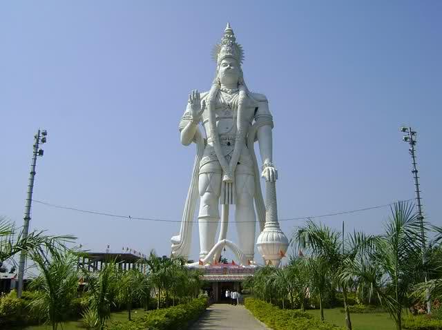 अपने देश की 10 सबसे ऊँची मूर्तियाँ