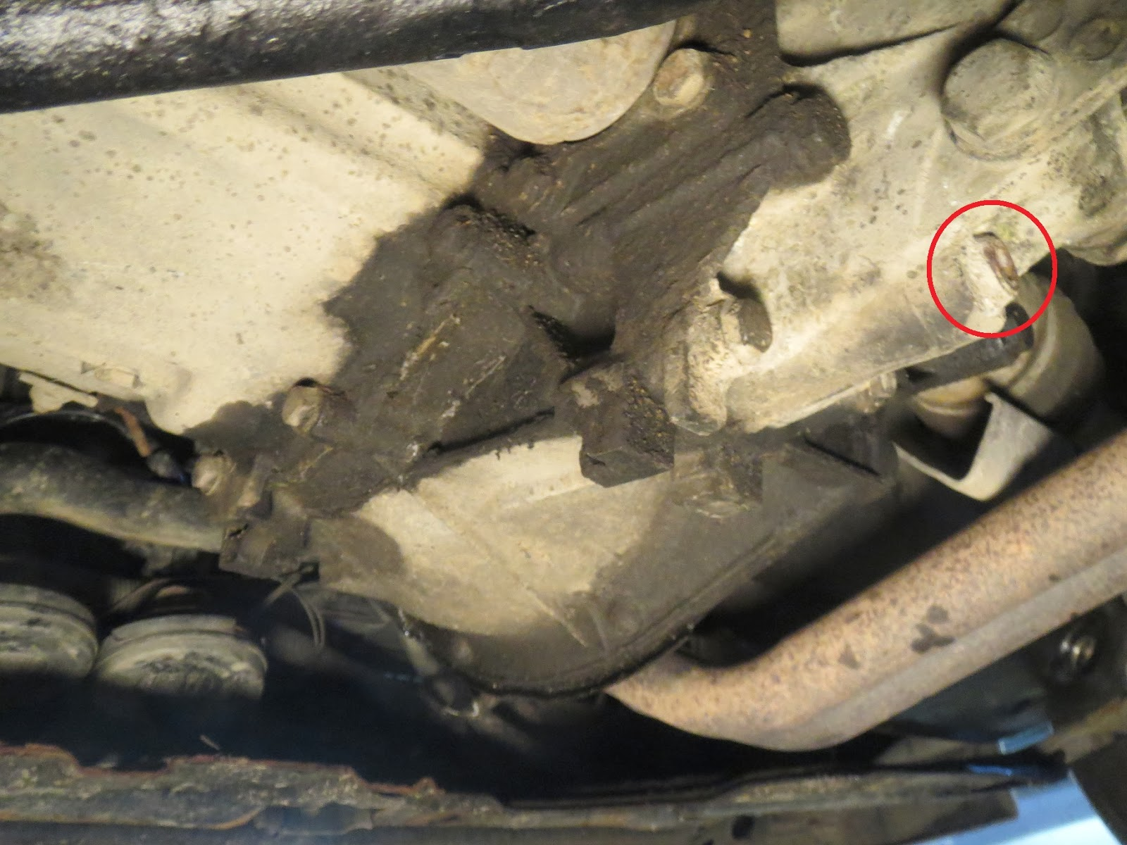 Fiat Uno 1993 gearbox oil draining bolt location