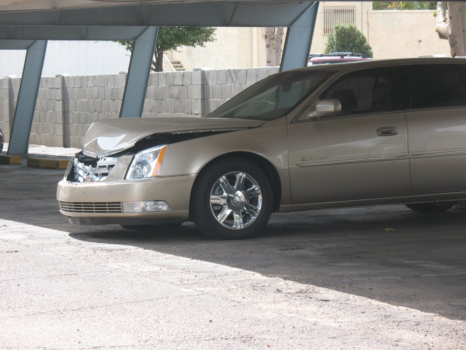 Cadillac DTS Crash