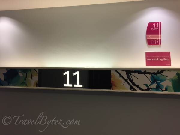 Glow Pratunam Hotel: Deluxe Twin Room Review