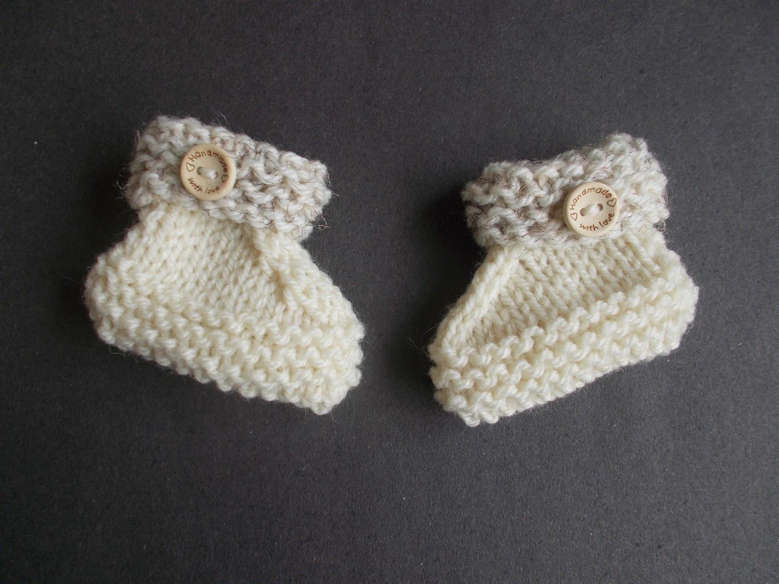 Daisy Baby Booties Knitting Pattern : mariannas lazy daisy days: Reno Baby Bootees