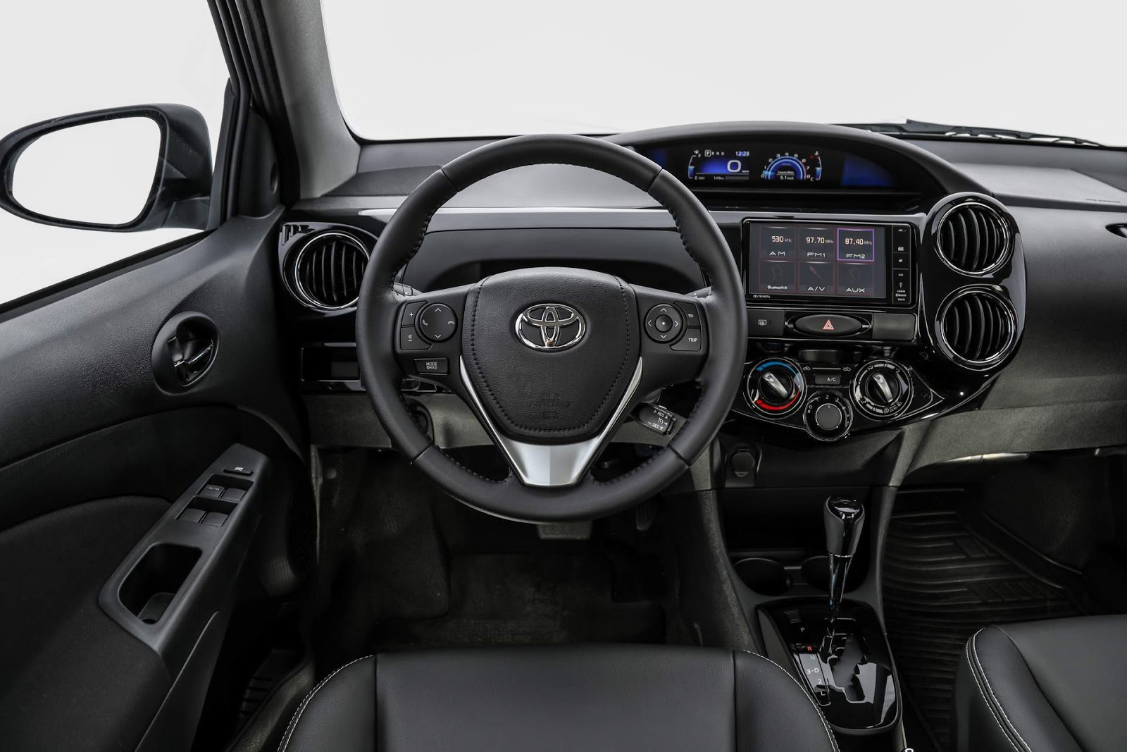 Sobre Toyota Etios Sedan Toyota-Etios-2018-automatico%2B%25288%2529