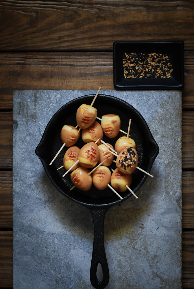 soy-grilled-quail-eggs-with-sesame-huevos-codorniz-parrilla-soja-sesamo-bistrot-carmen
