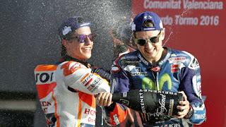 MOTO GP - Lorenzo cierra la temporada en Valencia despidiéndose a lo grande de Yamaha