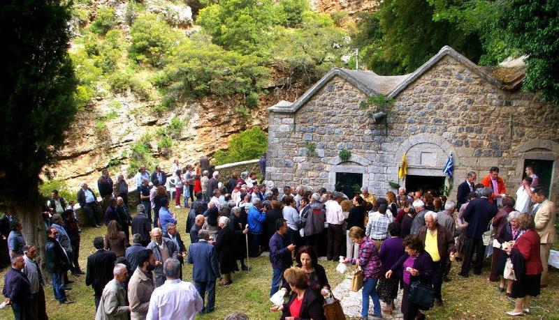 ΚΑΣΤΡΙΑ: Ιερό Προσκύνημα στον Ναό της Αναλήψεως Καστριών