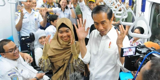 Jokowi: Tunjukkan Pada Saya Presiden Mana Cek Jalan Sampai 8 Kali