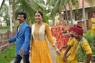 Ennodu Nee Irundhaal Tamil Movie Gallery  0020.jpg