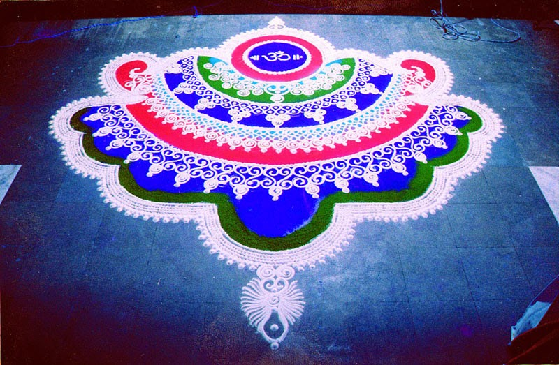 Rangoli Designs and Patterns with Lamps for Diwali 13
