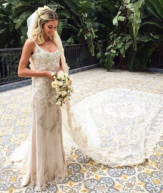 Helena Boudon it girl,  Vogue, casamento igreja, vestido Valentino, mantilha Sandro Barros