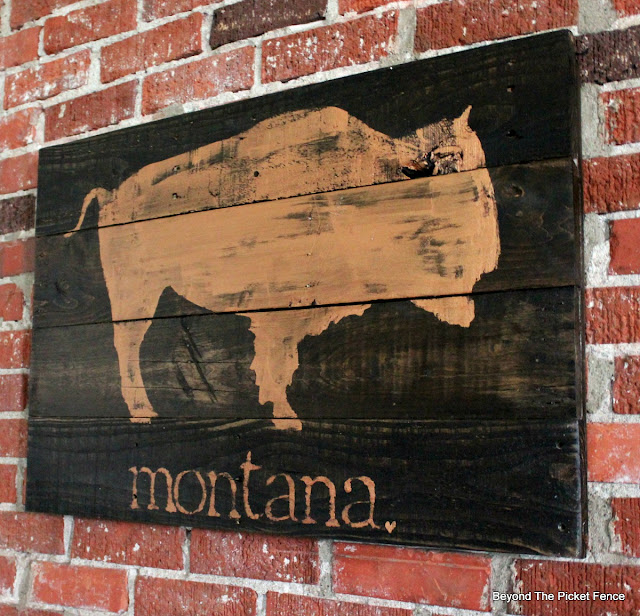 bison, pallets, copper paint, montana, rustic, http://bec4-beyondthepicketfence.blogspot.com/2016/06/montana-bison.html