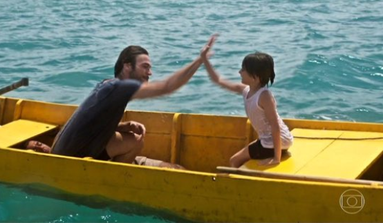 """""""Segundo Sol"""" estreia com erros e acertos, Antonelli sem sotaque e homem 'esquecido' em barco"""