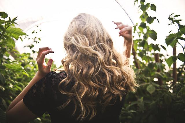 10 astuces pour des cheveux longs en bonne santé !