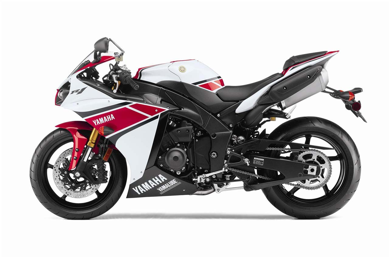 2013 yamaha yzf r1 review and prices. Black Bedroom Furniture Sets. Home Design Ideas