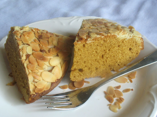 Olive Oil and Almond Tea Cake