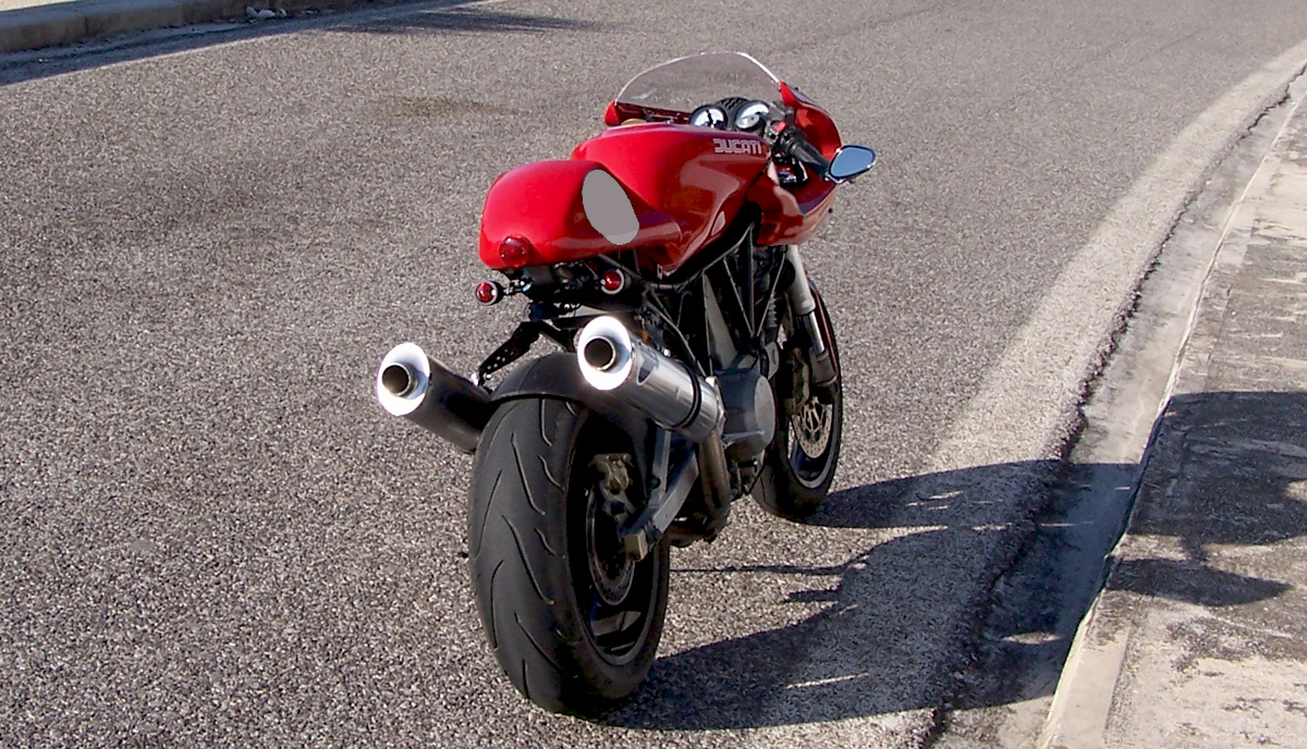 The SSie Cafe Racer Kit Costs 890 Worldwide Shippment Included Contains Front Fairing Windshield Bracket