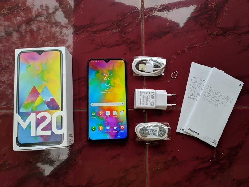 Paket Pembelian Samsung Galaxy M20