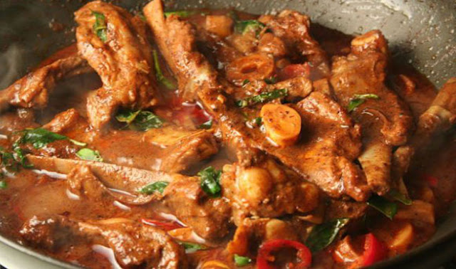 http://www.indianlazizkhana.com/2016/07/tastey-verly-style-mutton-curry-recipe.html